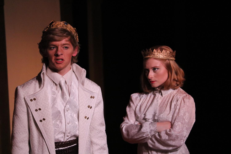 Sawyer+Wood+and+Isabella+Giordano+perform+a+scene+in+Macbeth.