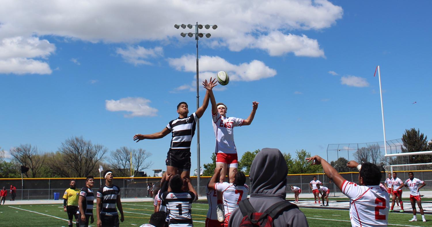 Highland and East both go for the ball during the lineout.