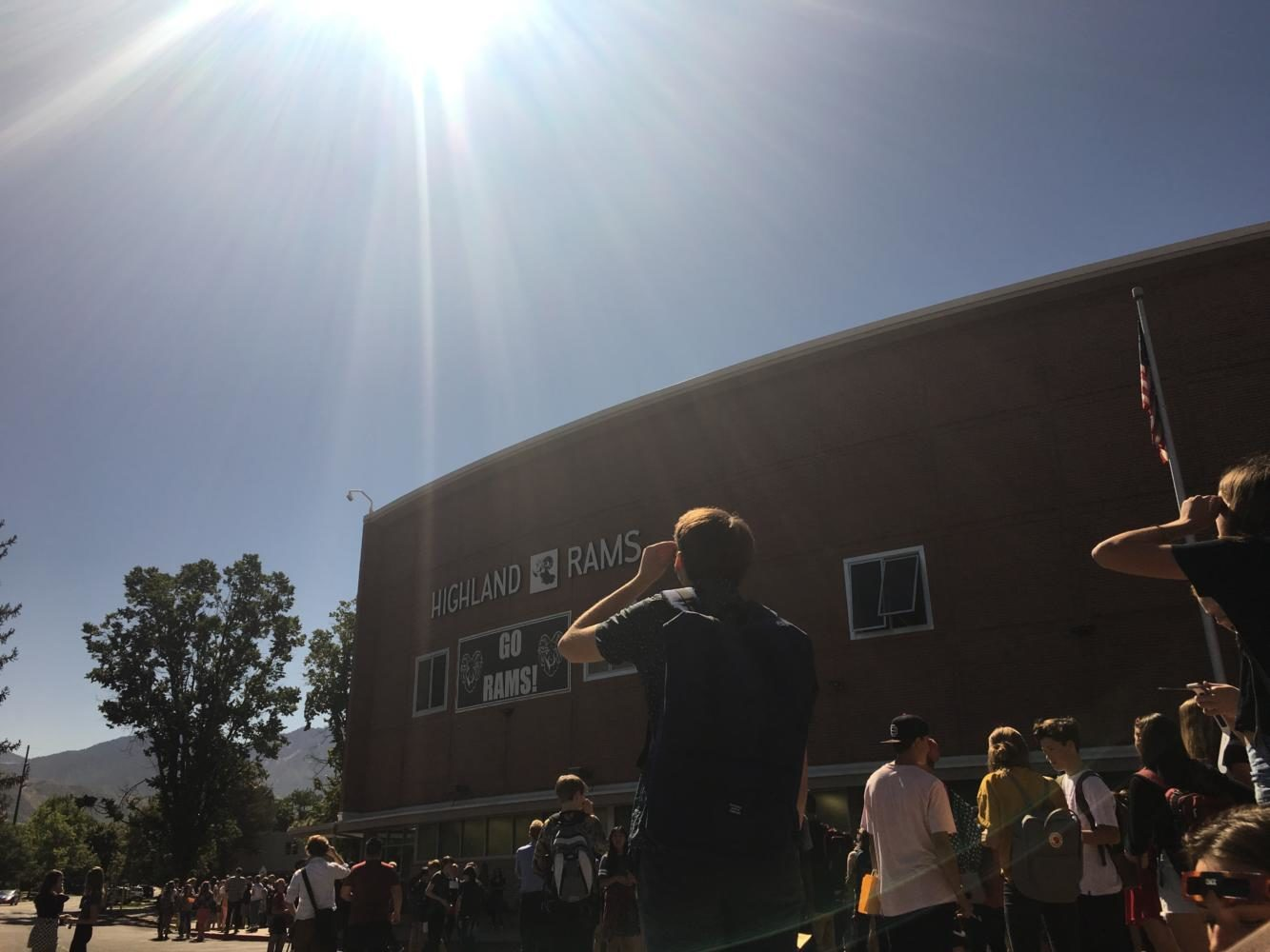 Highland+students+watch+as+solar+eclipse+becomes+visible.++