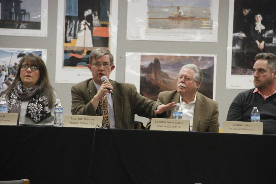 Representative+Joel+Briscoe+of+House+District+25+answers+a+question+during+a+Legislative+Town+Hall+meeting+that+was+held+in+the+library.+