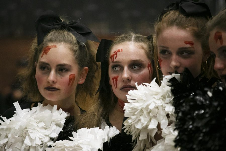 Pep Club members posing for a group shot after freak east