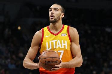 Rudy Gobert playing in a Utah Jazz game.